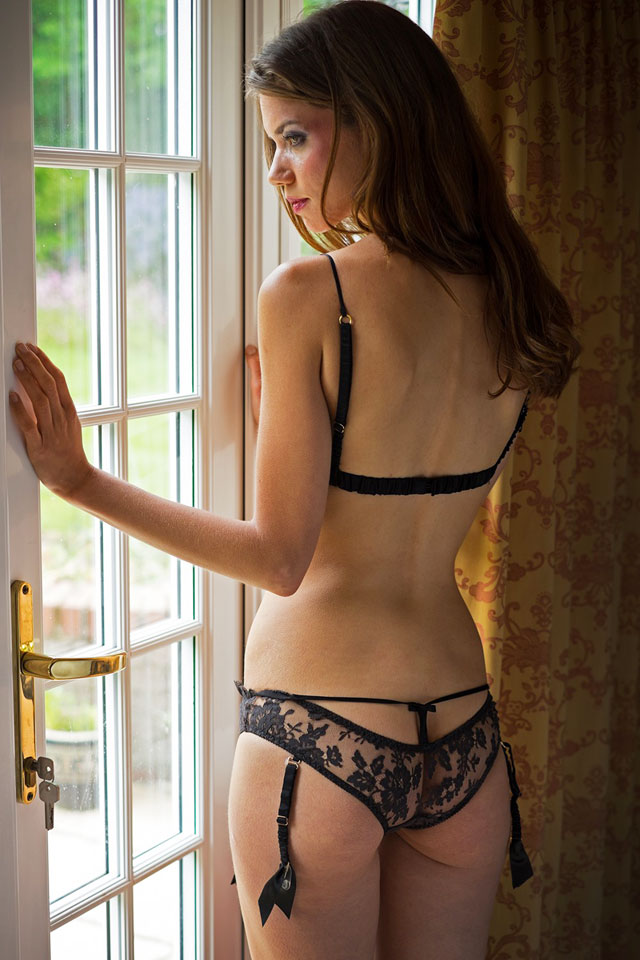 Tease Suspender Brief Shell Belle Couture