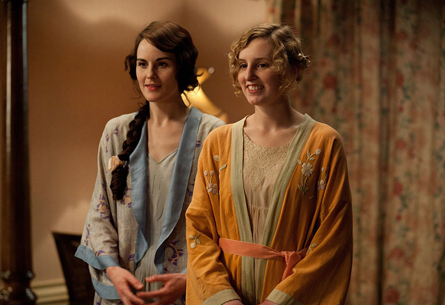 Lady Mary and Lady Edith in their kimono style robes